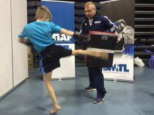 MMA Team 300:n Romeon tyylinäyte potkukisan vahvimmista junioripotkuista.